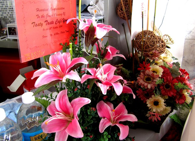 Tasty Taste Cafe, flowers