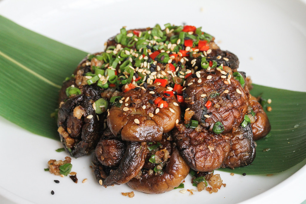 TungLok XiHe Peking Duck: Stewed Mushroom with Minced Pork and Chilli