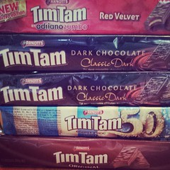 Absolutely everyone needs an Australian friend. #timtams