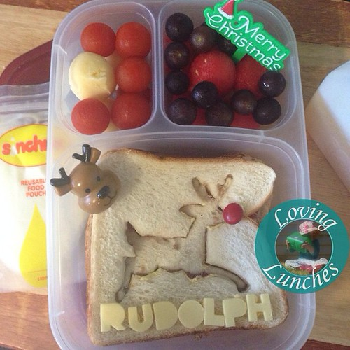 Loving realising I didn't post this pic of our last #reindeer lunch… simple #Rudolph for yesterday's lunch. @easylunchboxes @sinchies #nudefoodmovement @smashenterprises