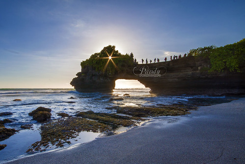travel sunset bali rock indonesia landscape photography tour lot wave guide tanah baliphotography balitravelphotography baliphotographytour baliphotographyguide