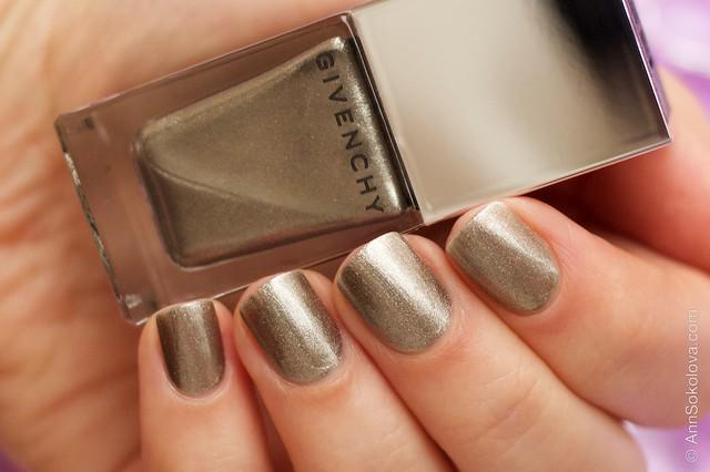 03 Givenchy Le Vernis 20 Bronze Insense