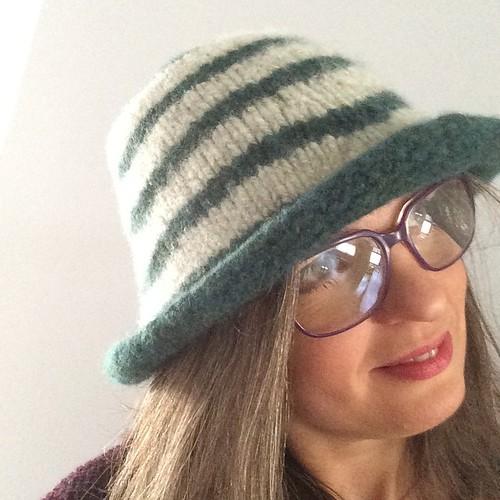 My new hat :) Il mio nuovo cappello:)