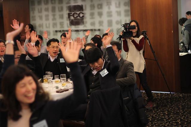 20141208_공익제보자의밤 및 의인상시상식_만세 제창