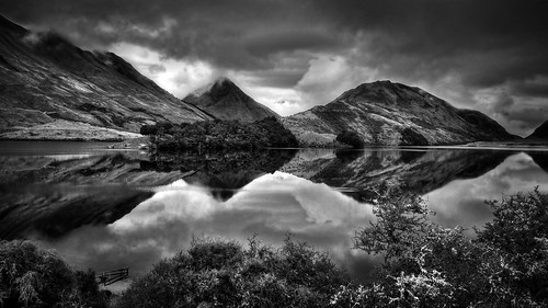 new bw lake mountains nature monochrome clouds fence reflections dark landscape zealand queenstown moke