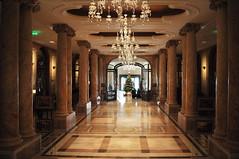 Athéneé Palace Hilton (lobby)