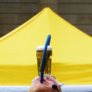 beer juggler