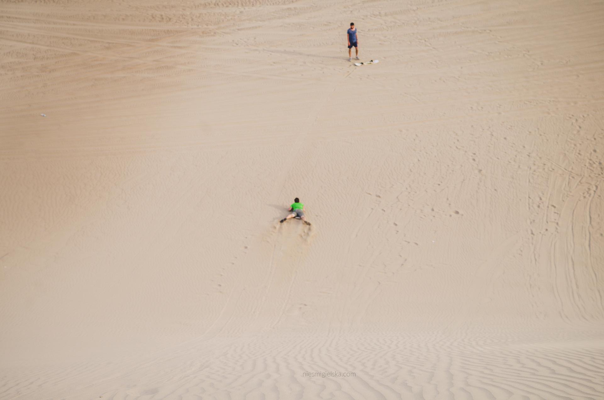 sandboarding huacachina peru