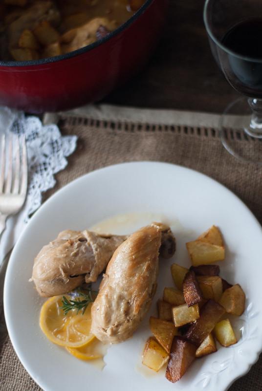 pollo en cazuela con limon y romero