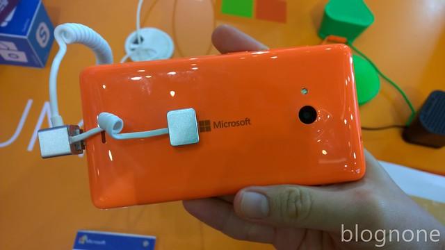 Lumia 535, Back