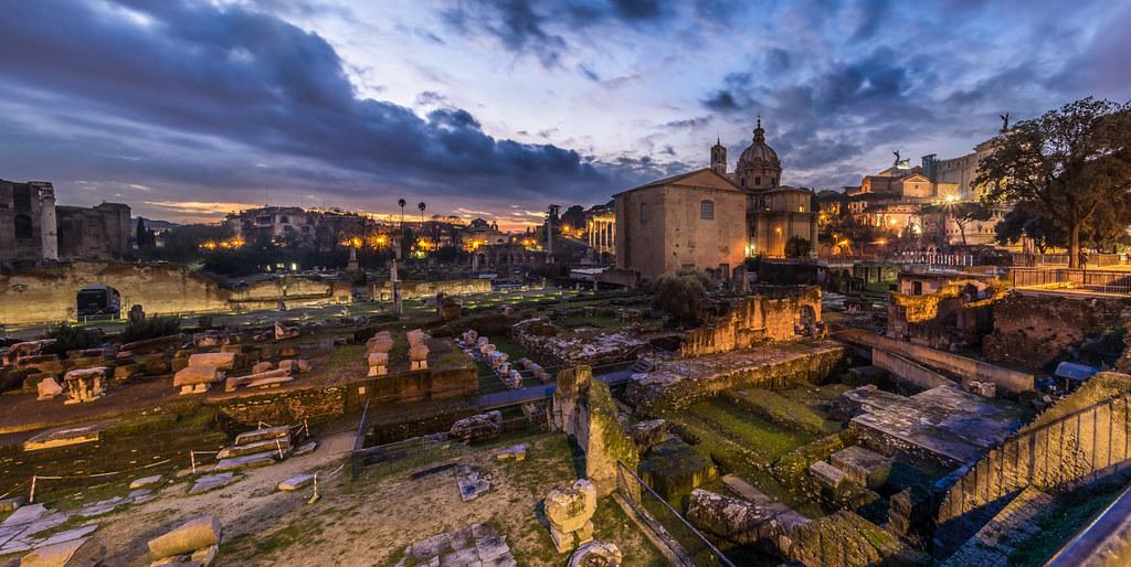 Fori imperiali, Roma, Italia picture