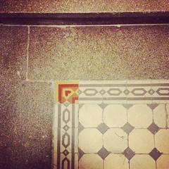 floor(0.0), art(0.0), wood(0.0), circle(0.0), carpet(0.0), wallpaper(0.0), pattern(1.0), wall(1.0), brown(1.0), line(1.0), interior design(1.0), design(1.0), tile(1.0), flooring(1.0),
