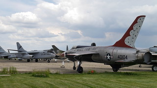 GF-105B Thunderchief & B-66 Destroyer