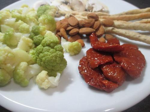 Piatto misto aperitivo vegan