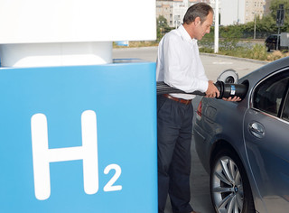BMW-2008-7-Series-H-24
