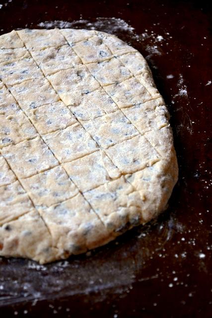 How Do You Make Cornish Hevva Cake