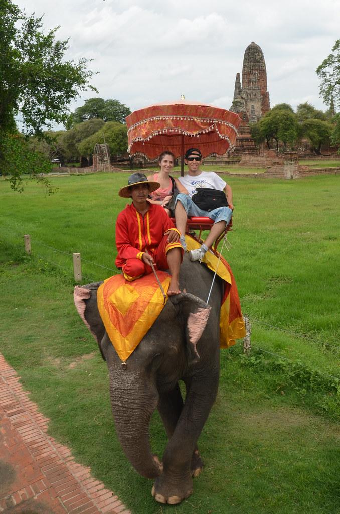 Paseo en elefante por los templos de Ayutthaya