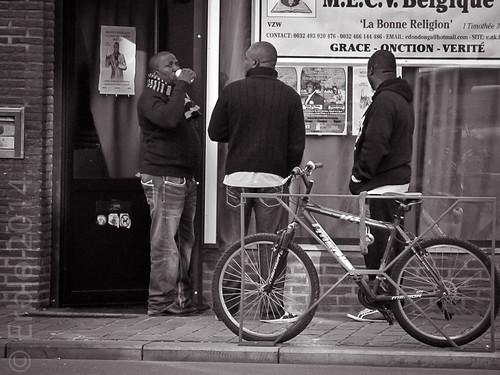 La Bonne Religion, The Good Religion, streetphotography, Canon.
