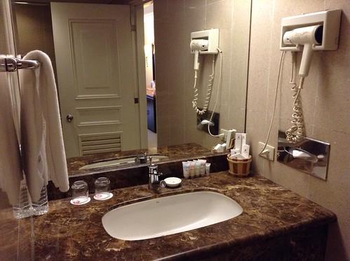 浴室洗脸台