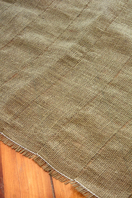 Making_How-to-cut-burlap