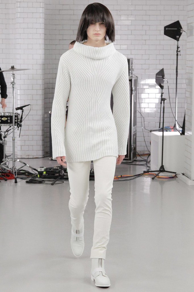 FW15 London Todd Lynn008_Frederik Ruegger(VOGUE)