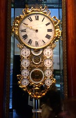 longcase clock(0.0), antique(1.0), clock(1.0),