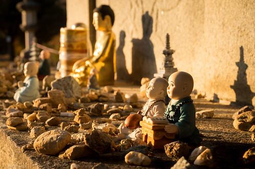 sunset statue temple asia meditate dusk sony prayer kitlens buddhism korea meditating meditation figurine southkorea buddhisttemple minature gwangju nex3n 16503556