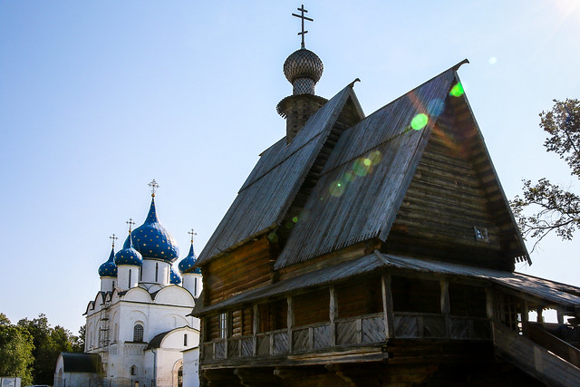 Wooden church and Cathedral of the Nativity, Suzdal スズダリ、ニコーリスカヤ教会とラジヂェストヴェンスキー聖堂