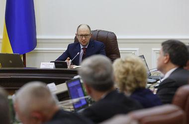 Яценюк відправить міністрів у регіони пояснювати нову політику