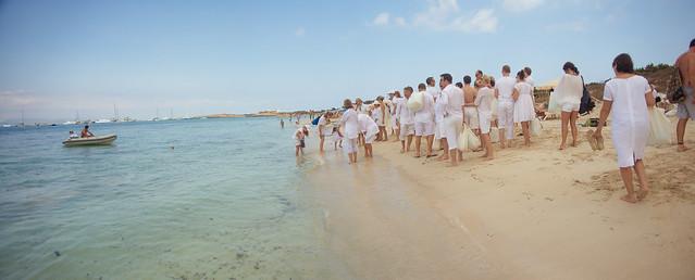 Real Ibiza wedding: Daniela & Marcus by Tamás Kooning Lansbergen