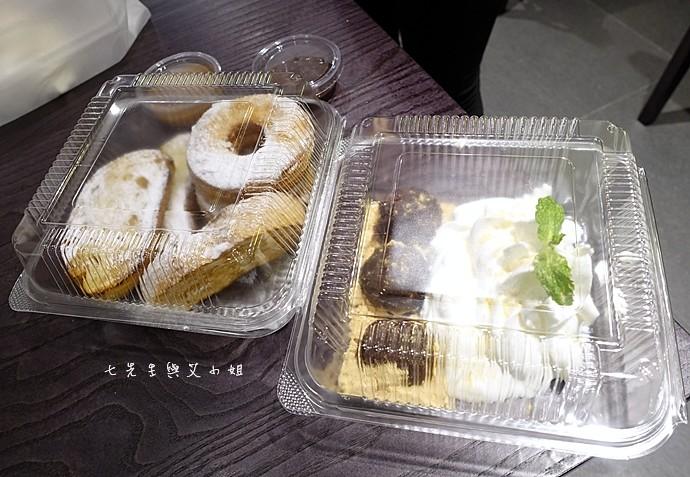 38 瓦法奇朵 台北車站信陽店 2014台北車站大聖誕樹