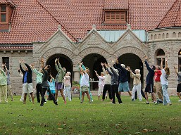 tai_chi_on_great_lawn_of_pequot_library
