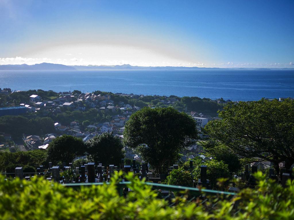 三浦富士から海を眺める