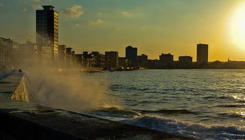 sea skyline meer dusk cuba seawall kati havanna kuba malecón atlantik lahabana vedado 2014 abenddämmerung ufermauer nikon1v1