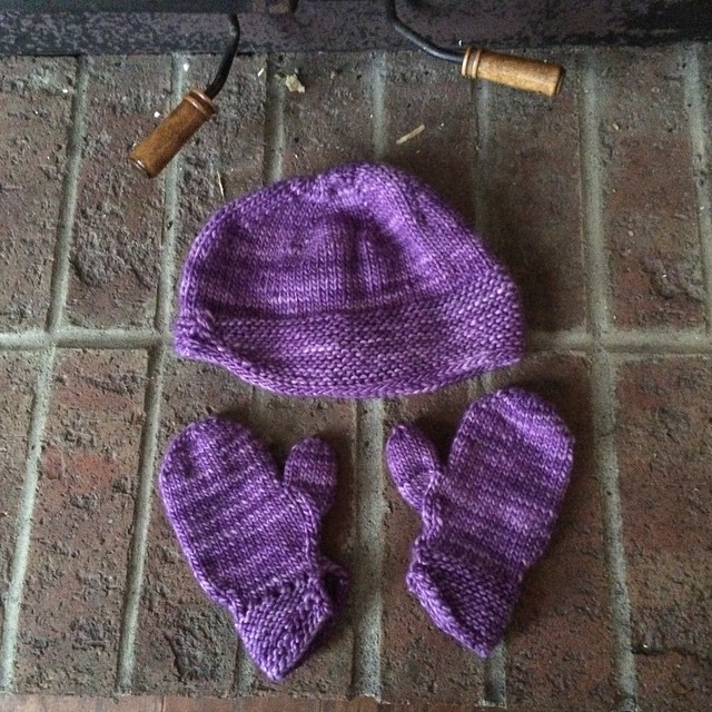 Niece E's hat and mitten set, finished!!
