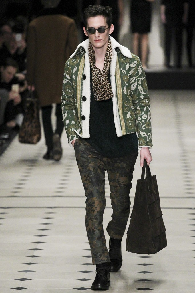 FW15 London Burberry Prorsum023_Sebastian Brice(VOGUE)