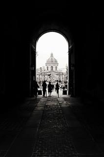 L' Academie Française depuis le Louvre