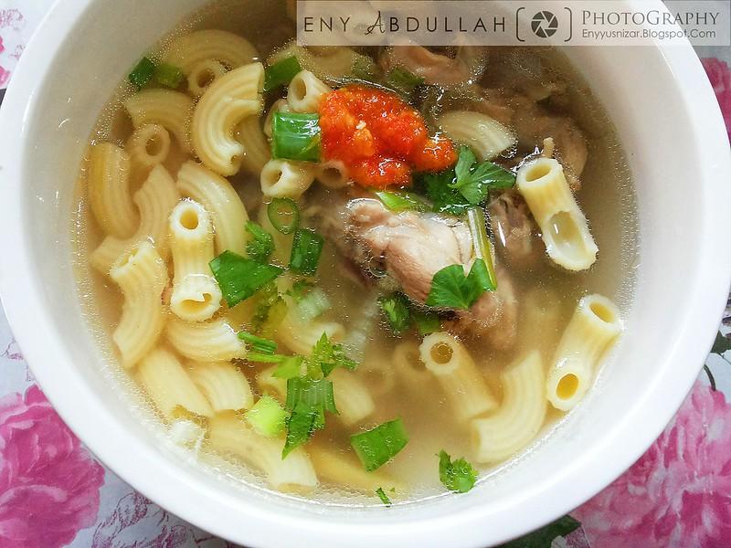 Macaroni Sup WM