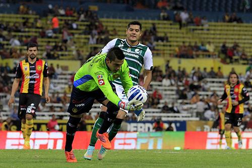 A un gol, la igualada entre Leones Negros y Santos