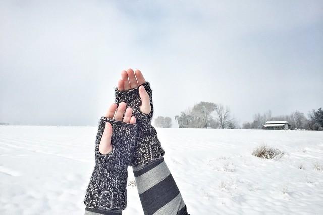Look Knit Alice Wrist Warmers II