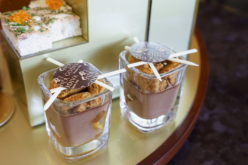 吃朱古力怎能不提比利時呢? 巧克力餡餅配比利時肉棪餅乾及糖煮蘋果