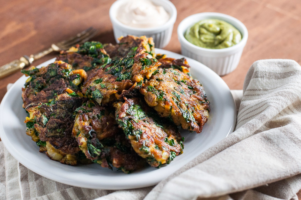 Sweet potato and kale veggie cakes with a #glutenfree option, for a healthy, hearty appetizer or brunch