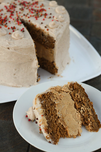 Pumpkin Cheesecake Cake with Spiced Cream Cheese Buttercream