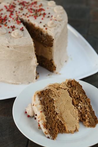 Pumpkin Cheesecake Cake with Spiced Cream Cheese Buttercream