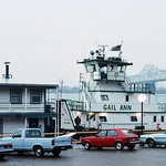 88a103: `Gail Ann` preparing to tow `Mayor Andrew Broaddus` and `Belle of Louisville` to winter moorings