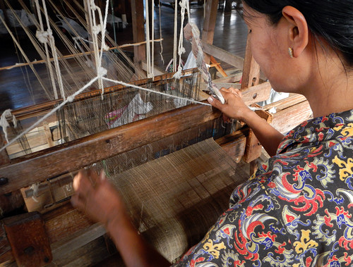 The Weaving Village on Inle Lake, Myanmar: Weaving Lotus Thread