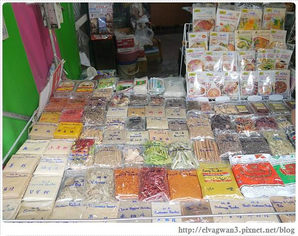 泰國-泰北-清邁-Somphet Market-Tip's Best Fresh Fruit Smoothie-市場-果汁攤-酸奶水果沙拉-燕麥水果優格沙拉-香蕉Ore0-泰式奶茶-早餐-10-670-1