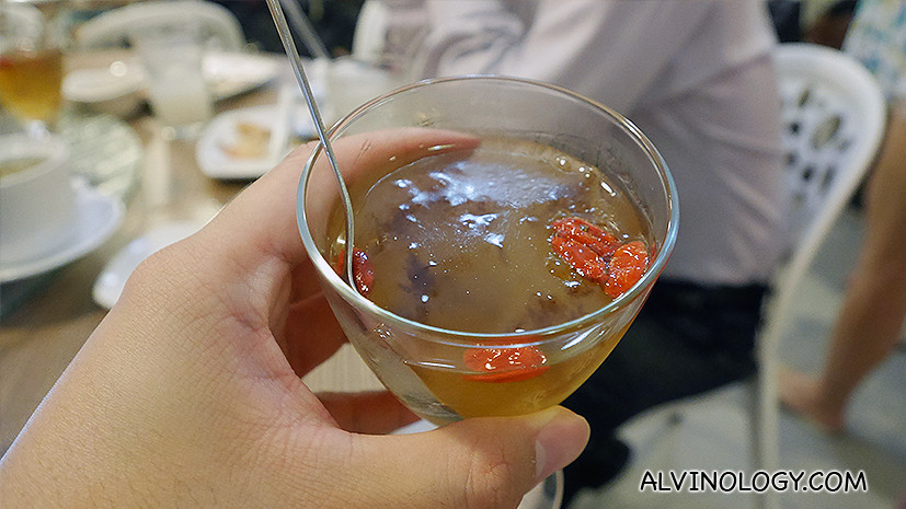 Sea Coral Jelly with Longan Wolberry (S$5.50)