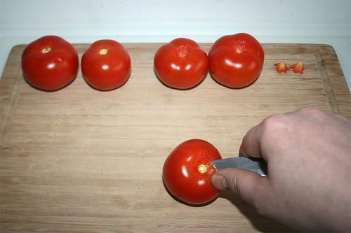 16 - Stielansatz der Tomaten entfernen / Remove stalk from tomatoes