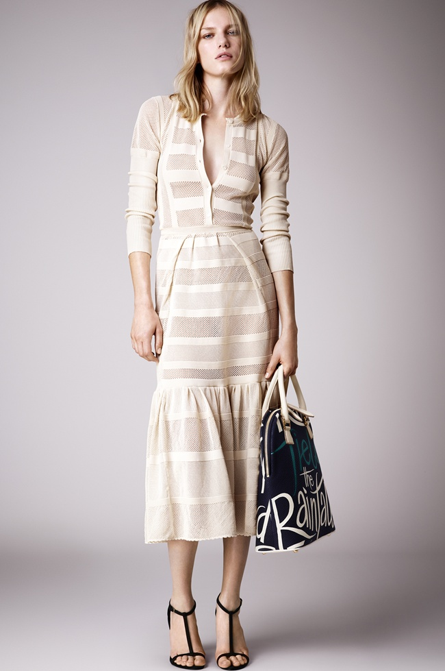 8 Burberry Prorsum Womenswear Spring_Summer 2015 Pre-Collection
